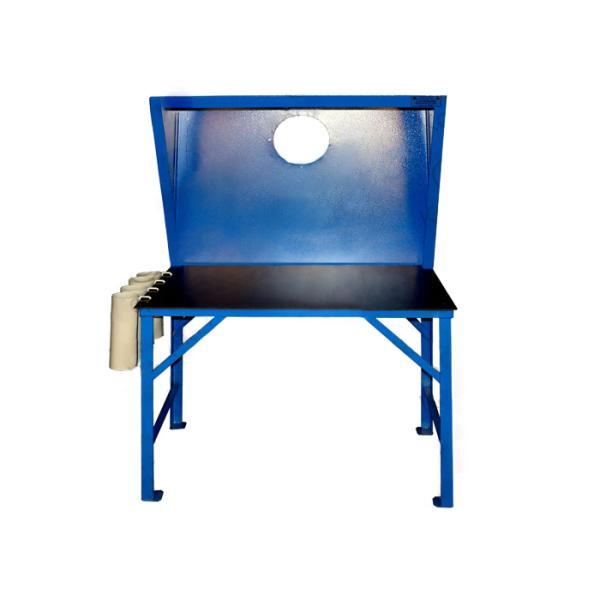 Стол сварщика с колчанами для размещения электродов