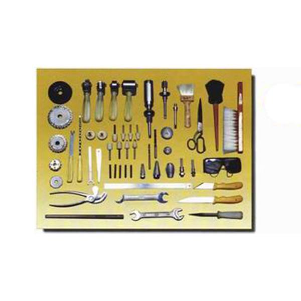 Набор инструментов и приспособлений для обработки местных повреждений шин с металлокордом Ш308М